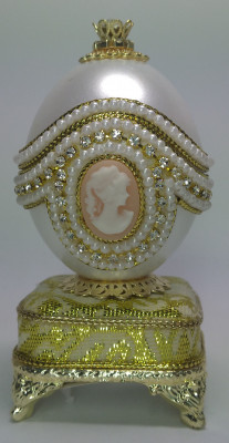 11 cm Cameo Jewelery Egg Shell