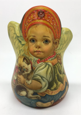 125 mm Angel plays with Kitten hand carved and painted wooden Statue (by Nadezhdin Studio)