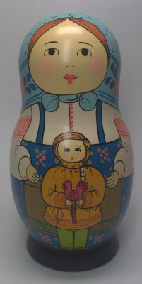 160 mm Mother with Daughter with a Candy hand painted Traditional Russian Wooden Matryoshka doll 5 pcs (by Igor Malyutin)