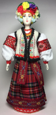 250 mm Ukrainian Girl Doll Porcelain Statue (by Le Russe)