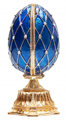 90 mm The Saint Basil Cathedral Blue Easter Egg with a Figure inside