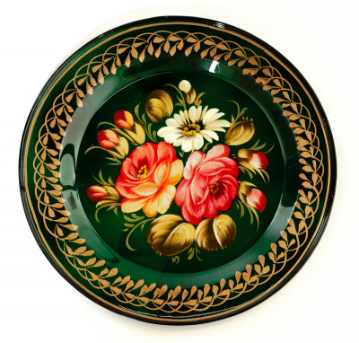d 180 mm Zhostovo Patterns hand painted and lacquered Metal Forged Green Tray (by Lada Crafts)