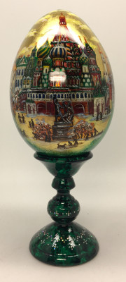 190 mm Moscow Saint Basil Cathedral hand painted Malachite colored wooden egg with standby (Alexander Green)