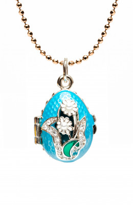 Camomiles with Rhinestones Opening Light Blue Egg Pendant