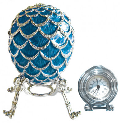 92 mm Dark Blue Pine Cone with Clock inside Easter Egg