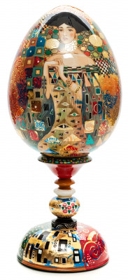 300 mm Portrait of Adele Bloch-Bauer I by Klimt hand painted on colored wooden Egg with standby (by Tatiana Crafts)