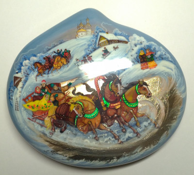 150x135 mm Troika hand painted papier-mache lacquered Jewelry Box (by Tatiana Crafts)