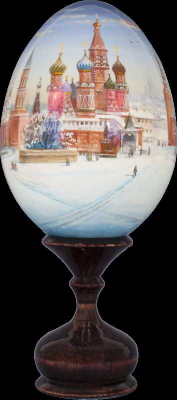 320 mm Moscow Red Square Panorama all around hand painted Wooden Egg with standby (by Andrey Studio)