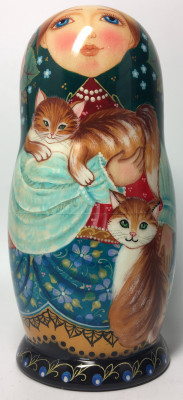 145 mm Russian Girl in a Scarf playing with Kitten handpainted Wooden Matryoshka Doll 5 pcs (by Vasily Crafts)