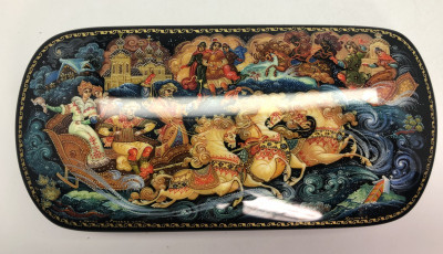 140x70 Russian Winter Troyka hand painted by Khromoff on jewelry papier-mache box in Kholuy (by Pavel Studio)