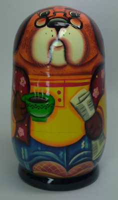 120mm Bulldog with a Newspaper hand painted Matryoshka 3pcs (by Gift Shop)