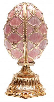 115 mm The Saint Basil Cathedral Pink Easter Egg with the Figure inside
