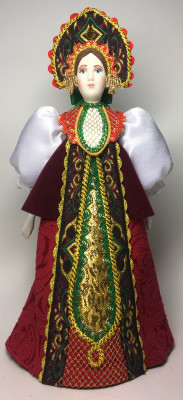 260 mm Russian Noblewoman in a Dress and Kokoshnik (by Le Russe)