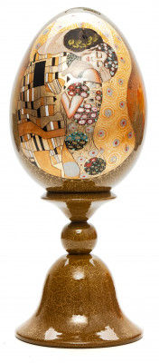 230 mm The Kiss by Klimt hand painted wooden Egg on stand (by Tatiana Crafts)
