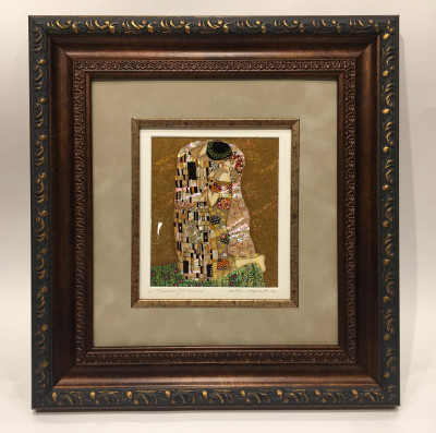 350x310mm The Kiss by Klimt hand painted on mother of pearl