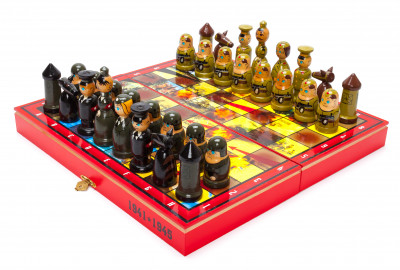 Wooden Chess Board with USSR Germany Soldiers Art Hand Painted Chess Pieces