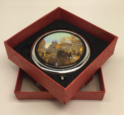 Compact Mirror with Old Street