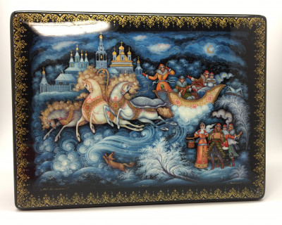 240x180 mm Magic Russian Troyka with Golden Sleigh hand painted papier-mache lacquered box from Kholuy (by Sadko Workshop)
