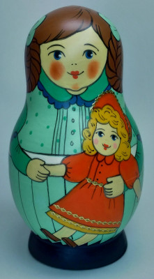 125 mm Mistress with Doll hand painted Traditional Russian Wooden Matryoshka doll 5 pcs (by Igor Malyutin)