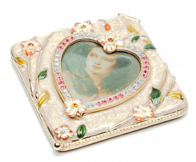 80 mm Heart with a Picture Pink Compact Mirror
