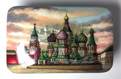 130 x 85 mm Red Square and Snt Basil Cathedral hand painted on pearl shell lacquered box from Fedoscino (by Mihail Studio)