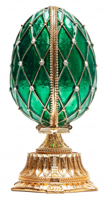 90 mm The Saint Basil Cathedral Green Easter Egg with a Figure inside