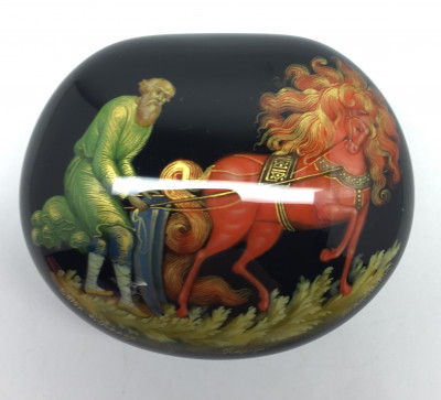 55x45 mm Plowmanl hand painted lacquered box from Palekh (by Pavel Studio)