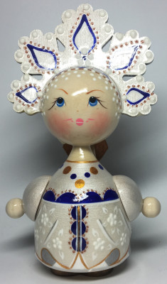 140 mm Russian Girl in Kokoshnik hand painted Wooden Doll (by Maya)