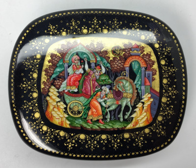 105x90 mm Tsar Saltan Fairytale hand painted by Kovalev I on papier-mache lacquered box from Kholuy (by Sadko Workshop)