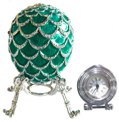 92 mm Green Pine Cone with Clock inside Easter Egg