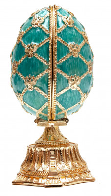 115 mm The Saint Basil Cathedral Easter Egg with the Figure inside