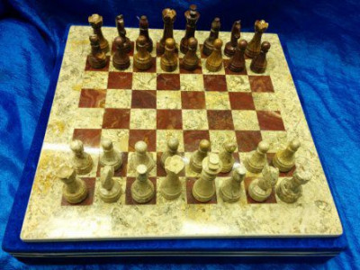 400x400 mm Brown & Green Onyx Chess Pieces on Onyx Chess board (by Onyx Crfats)