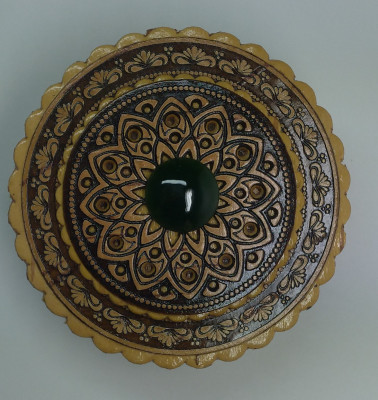 d 70 mm Siberian Patterns hand made Birchbark Jewelry Box with Malachite stone (by Birch Gifts)
