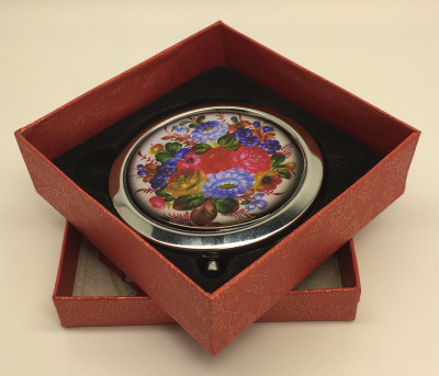 Compact Mirror with Flowers