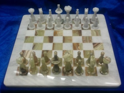 300x300 mm Green & White Onyx Chess Pieces on Onyx Chess board (by Onyx Crfats)