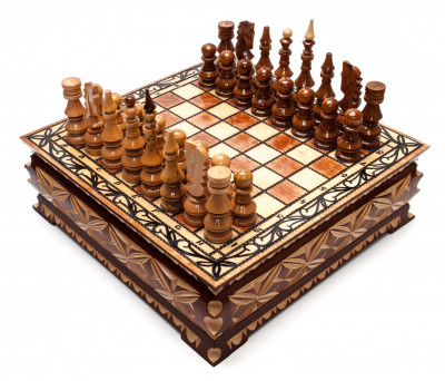 305x305 mm Hand Carved Chess Pieces on Inlaid Wood Board Box (by Fyodor Chess Workshop)