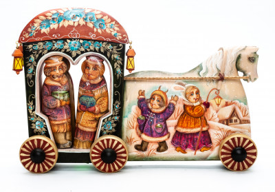170 mm Carriage with hand painted Children Playing on the Outside Wooden Statue (by Vladislav Toys)