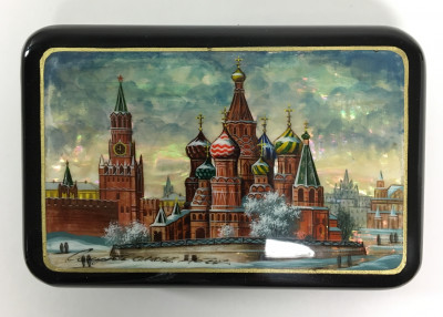 115x75 mm Moscow Snt Basil Cathedral and Red Square hand painted papier-mache lacquered Jewelry Box (by Tatiana Crafts)