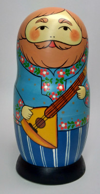 160 mm Man with Balalayka hand painted Traditional Russian Wooden Matryoshka doll 5 pcs (by Igor Malyutin)