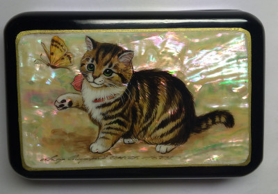 110x75mm Cat hand painted lacquered jewelery box (by Tatiana Shkatulka Crafts)